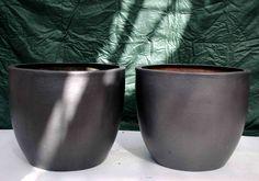 2 grey fibreglass circular - Indoors/outdoors