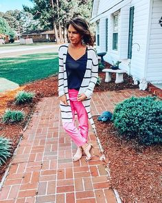 3 Looks Styling Flared & Frayed Cropped Jeans Side Bun Updo, Good Morning Ladies, Squash Casserole, She Is Clothed, J Crew Dress, Boho Fashion, Womens Fashion, Latest Outfits, Hair Tutorials