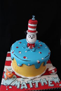 Cat in the Hat cake, Dr Seuss Fancy Cakes, Cute Cakes, Fondant Cakes, Cupcake Cakes, Fondant Baby, Beautiful Cakes, Amazing Cakes, Cake Pops, Dr Seuss Cake