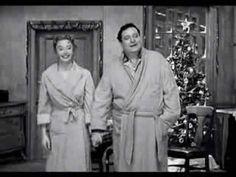 Return to Sanity: Merry Christmas from the Honeymooners Christmas Tv Shows, Christmas Music, Retro Christmas, Christmas Movies, Merry Christmas Pictures, Vintage Holiday, Vintage Tv, Vintage Hollywood, Jackie Gleason