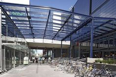 Sello in the Leppävaara district of Espoo, Finland is a modern and attractive shopping center.  For the construction of the second part of the center Pilkington Suncool™ 66/33 solar control glass was used to protect interior spaces against the overheating during summer time.