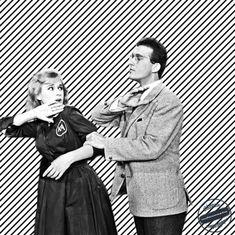 Ελληνικός Κινηματογράφος Από τον καθηγητή στις μαθήτριες. Από τον πατέρα στην κόρη. Από τον αδερφό στις αδερφές. Από τον μέλλοντα σύζυγο στην αγαπημένη του. Τα χαστούκια από αντρικά χέρια σε γυναικεία μάγουλα πέφτουν βροχή στον παλιό καλό ελληνικό κινηματογρ