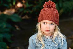 Sticka enkel mössa med bolltofs | Hemmets Purl Bee, Knitting For Kids, Knitted Hats, Knit Crochet, Diy And Crafts, Winter Hats, Hair Beauty, Beanie, Sewing