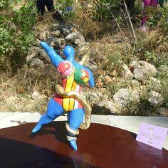 Nana Boa de Nikki de Saint-Phalle - Reproduction en sucre d'une sculpture de Nikki de Saint-Phalle.