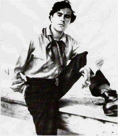 On what grounds did Modigliani deserve his place of honor? Little, in the eyes of leading art historians of the period. Modigliani is absen. Amedeo Modigliani, Henri De Toulouse Lautrec, Paul Cezanne, Henry Moore, Artist Art, Artist At Work, Pablo Picasso, Diego Rivera, Italian Painters