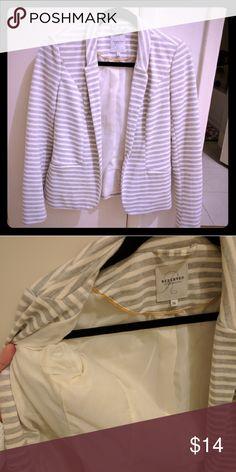 Striped blazer Reserved (EU brand) striped blazer Gray/white. One button  Size EU 36 reserved Jackets & Coats Blazers