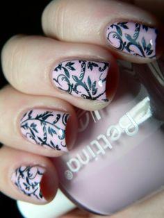 pink nail art <3