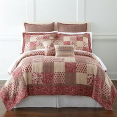 Is yjis like a quilt Strawberry Shortcake would have? Is this pink or red? Whatever cuz I like it! jcpenney | Ayden Patchwork Quilt & Accessories