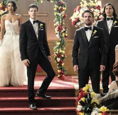 I'm pretty sure this episode hasn't even aired yet but I love that Oliver is a groomsman at the wedding. Oliver and Barry are good for each other. <3