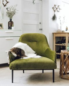 48 Ideas For Seating Plan Modern Mid Century My Living Room, Living Room Chairs, Dining Chairs, Lounge Chairs, Desk Chairs, Dining Room Furniture, New Furniture, Classic Furniture, Green Accent Chair