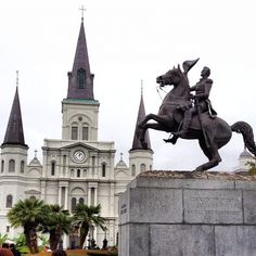 Jackson Square in New Orleans, LA  Such a beautiful park, it made me want to live in NOLA.