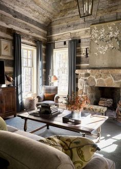 Comfy Small Farmhouse Rustic Living Room Decorating Ideas - Page 40 of 43 Small Farmhouse, Chic Interior Design, Living Room Decor, Cabin Interiors, Living Room Decor Rustic, Cabin Decor, Living Room Remodel, Area Rug Decor, Living Room Designs