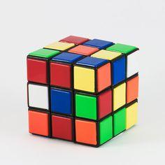 Fare giochi di enigmistica, sudoku o dedicare qualche momento ai videogiochi è sicuramente un ottimo allenamento per la nostra memoria. La depressione invece, e l'impulsività sono deleterie per il nostro cervello.