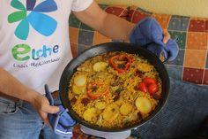 Ta chá!!! arroz con cebolla, patata, bacalao y ñoras frescas...