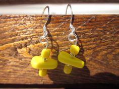 Yellow divide earrings. $12.00, via Etsy.