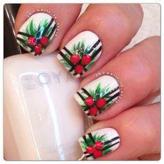 christmas nails holly
