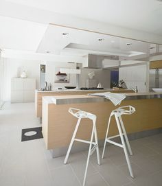 A pleasant, inviting, super-clean kitchen.