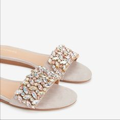 Every step you take sparkles with chic shoe style in these jewel-embellished sandals. Wear these comfortable, padded sandals for day or night. Fashion Slippers, Fashion Shoes, Bridal Shoes, Wedding Shoes, Trendy Sandals, Sparkly Sandals, Women Sandals, Simmi Shoes, Embellished Sandals