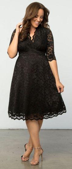 Plus Size Lace Dress - Plus Size Cocktail Party Dress #plussize #party #dress #holiday {affiliate link}