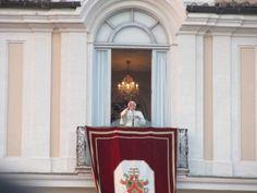 Pope Benedict XVI at Castel Gandolfo for the last farewell