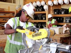 Dearth of women in construction deprives industry of good workers, women of good jobs