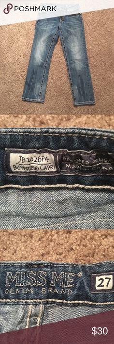 Miss me size 27 boyfriend Capri jeans Miss me no bling size 27 boyfriend Capri jeans chunky white stitching around the pockets Miss Me Jeans Boyfriend