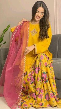 Pakistani Fashion Party Wear, Pakistani Wedding Outfits, Indian Fashion Dresses, Indian Designer Outfits, Muslim Fashion, Designer Dresses, Pakistani Bridal, Fancy Dress Design, Bridal Dress Design