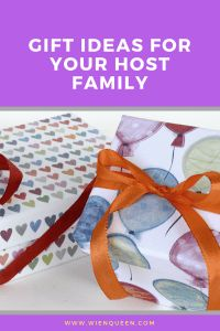 Wondering what to get your host family as a welcome gift for your au pair, language exchange, or gap year? Check out these gift ideas for your host family. Au Pair, Welcome Gifts, Gap Year, Packing Tips, Travel Gifts, Family Gifts, Gift Guide, Traveling By Yourself, Birthdays