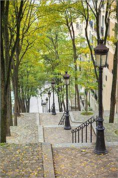 """Bild von Brian Jannsen - """"Die lange Treppe zur Sacre Coeur in Montmartre, Paris"""""""