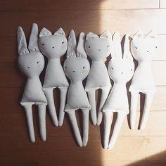 #it's raining cats and bunnies ! #dollmaking #friends #dolls #moderntoy #unique #poupée #workinprogress