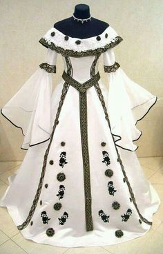 Kleider White medieval dress Wedding Invitations: Things the Bride Should Know Article Body: Wedding Pretty Outfits, Pretty Dresses, Cute Outfits, Crazy Dresses, Vintage Dresses, Vintage Outfits, Vintage Fashion, Fashion Goth, Gothic Lolita Fashion