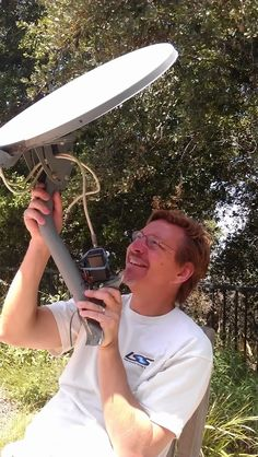 When we moved into our house more than 7 years ago now the old owners left their Dish Network satellite TV dish attached to the roof. Diy Telescope, Tv Hacks, Radio Astronomy, Yard Drainage, Ham Radio Antenna, Stargazing, Photography Tips, Ham Soup, Cold War