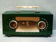 Green Zenith Tube Radio R511, 1955.