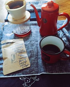 My Noda Horo Moon Rabbit kettle is pouring over for some very delicious  Coffee this morning  Luis Fernando Geisha Columbia roasted by @supremeroastworks  by mademoisellemii