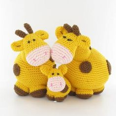 Giraffe family amigurumi pattern by Woolytoons