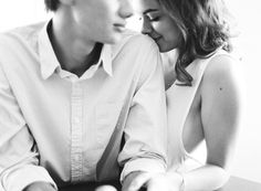 Soft and Natural Engagement Photos.