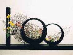 Ikebana striking display. Enjoy RushWorld boards, IKEBANA JAPANESE FLORAL ART, WEDDING CAKES WE DO and MOOD BUSTERS FEEL BETTER NOW. See you at RushWorld on Pinterest! New content daily.