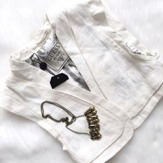 NWT White Linen Crop Vest by Guess Adorable addition to your tank or sundress! Perfect condition, ready for your new favorite look! Guess Tops