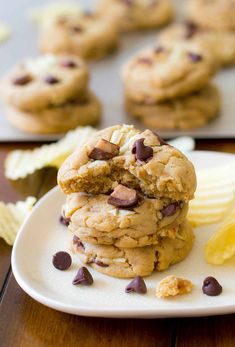 Potato Chip Toffee Chocolate Chip Cookies - These potato chip toffee chocolate chip cookies are made with all the salty crunchy sweet chocolatey ingredients the title suggests. https://leitesculinaria.com/103264/recipes-potato-chip-toffee-chocolate-chip-cookies.html