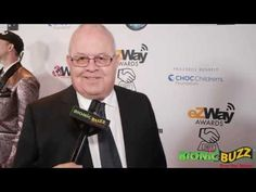 Brian Willis Interview at the eZWay Awards Golden Gala Awards, Interview, Magazine, Brown, Places, Lugares, Magazines, Chocolates