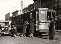 Springfield, IL Trolley Car 1930. 200 block of S. 5th Street. Courtesy of Sangamon Valley Archives and Springfield Rewind.