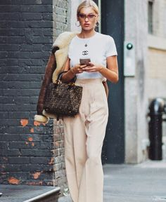 LOVE her street style @elsahosk swipe right to see more ✨ #elsahosk #streetstyle #ootd #fashion #inspo