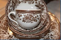 I love the thrift stores….I found this set for four brown transfer-ware for 1/2 price – at  Ten Bucks ! They aren't antique but, I loved the...