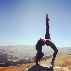 full wheel pose, with a gorgeous view !