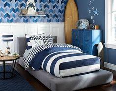 Jungenzimmer einrichtungsideen mit meeresmotiven-bequemes polsterbett