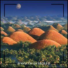 Qui si trovano delle colline davvero insolite.  Per alcuni assomiglino ai seni di una donna, per altri a dei golosi tartufi al cioccolato 😋 ... ⠀ Durante la stagione secca, infatti, le colline acquistano un colore uniforme tinta marrone... da cui il nome Chocolate Hills, ossia Colline di Cioccolato. ⠀ Scopri di più qui Chocolate Hills, Bohol