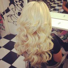 LOVE these gorgeous, voluminous curls!