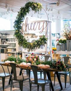 These beautiful floral wreath ideas, like this hanging centerpiece, will spin your head right round!