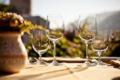 Die spannendsten Freizeitprojekte in Wien Flute, White Wine, Garrigues, Alcoholic Drinks, Champagne, Tableware, Type 3, Glass, Facebook