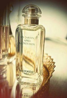 Un Jardin Apres La Mousson Hermes Paris...............tnt